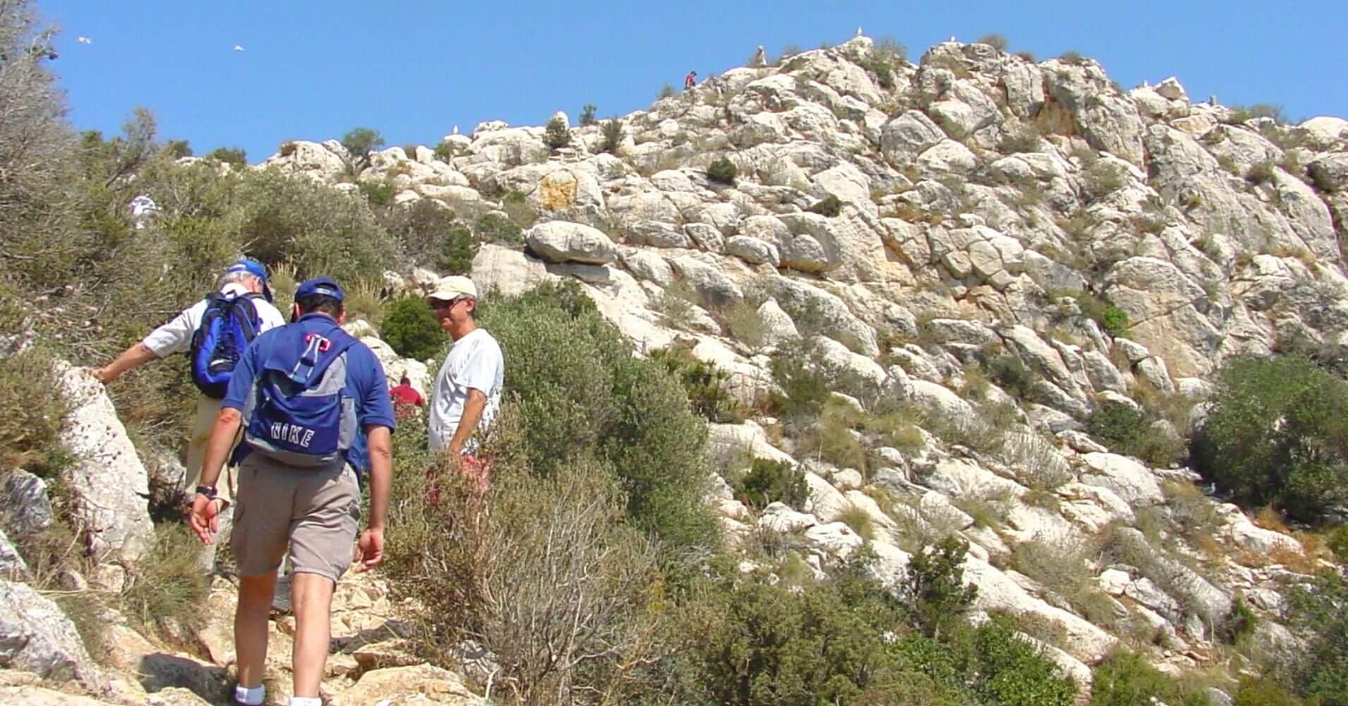 Llegando a la Cumbre del Peñón. Calpe, Alicante.