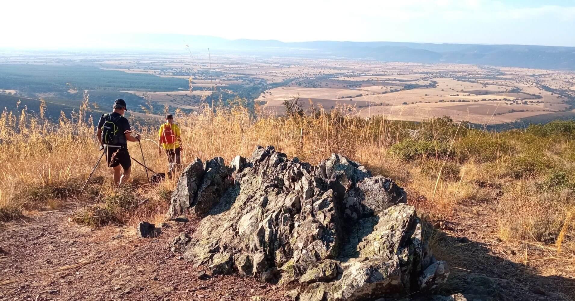 Llegando al Mirador del Parque Nacional de Cabañeros. San Pablo de los Montes. Toledo, Castilla la Mancha.
