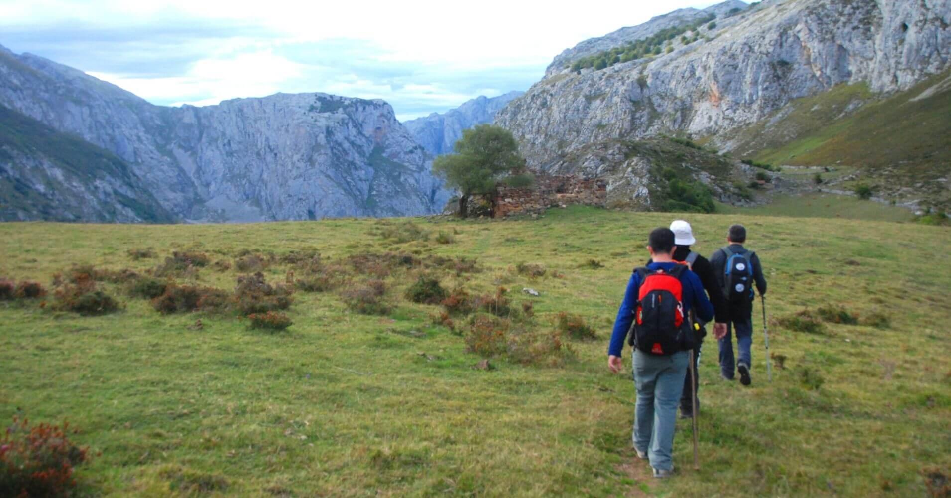 Majada la Jelguera, Vega de Urriellu. Travesía de Picos de Europa. Asturias.