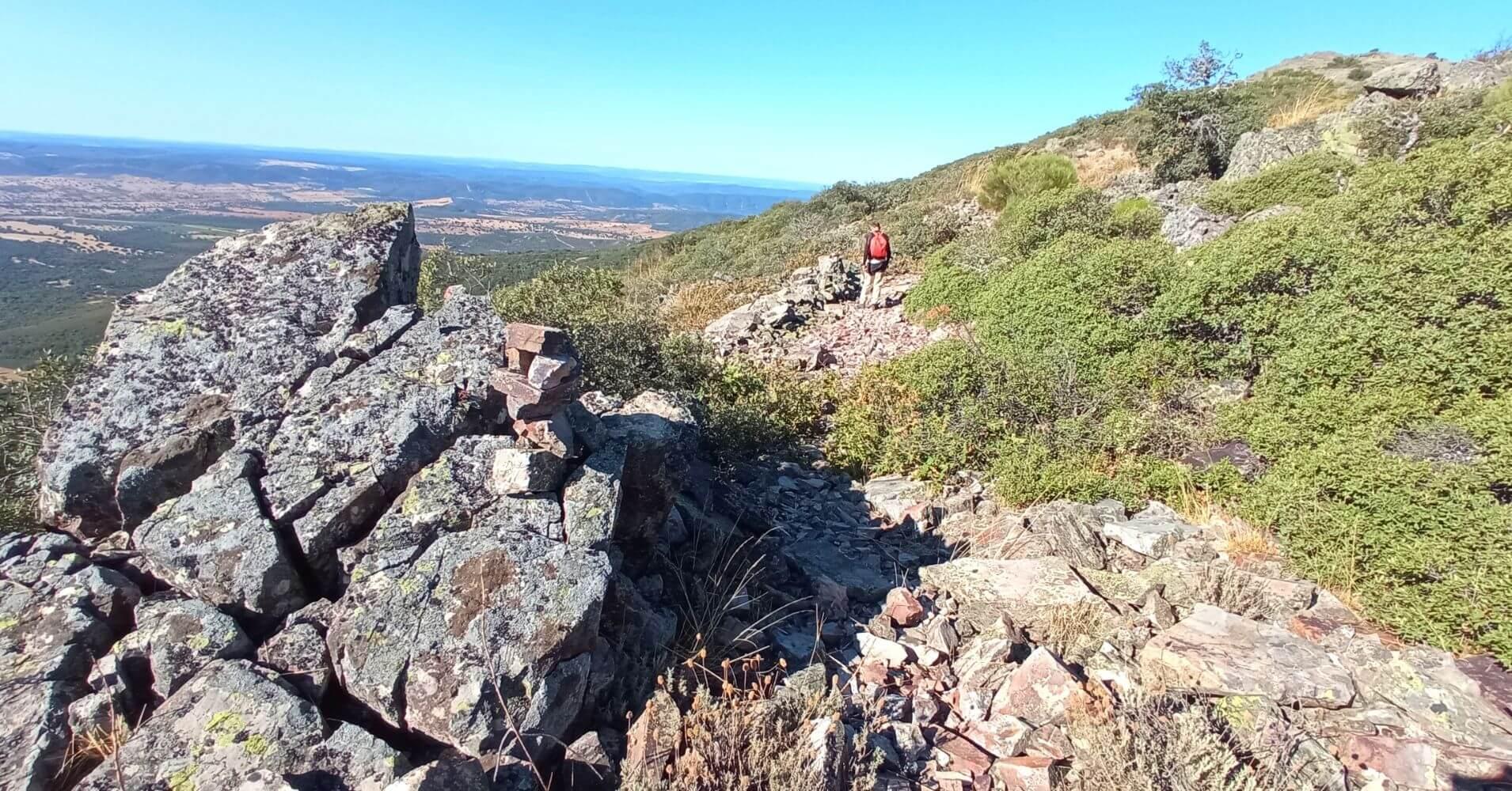 Mojones de Piedras. Camino al Cerro Vicente 1430m. Las Navillas, Menasalbas. Montes de Toledo.