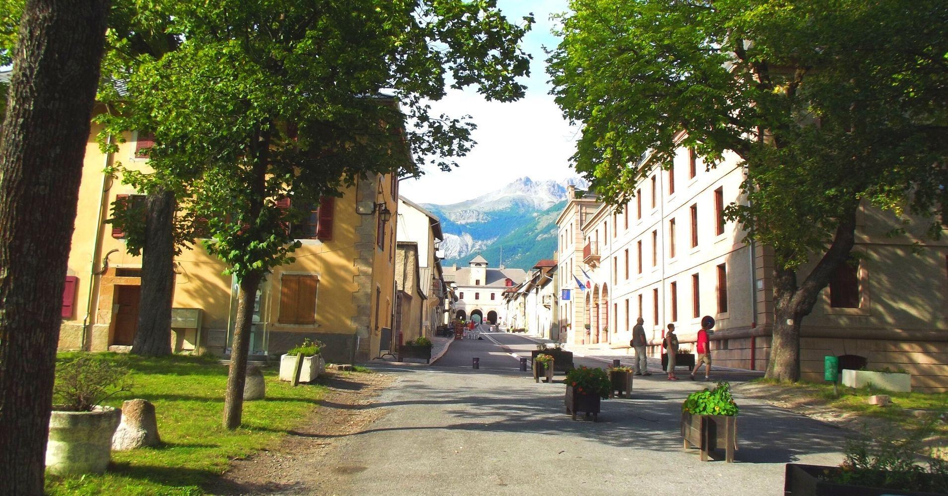Mont Dauphin Fuerte Vauban. Altos Alpes. Provenza-Alpes-Costa Azul. Francia.