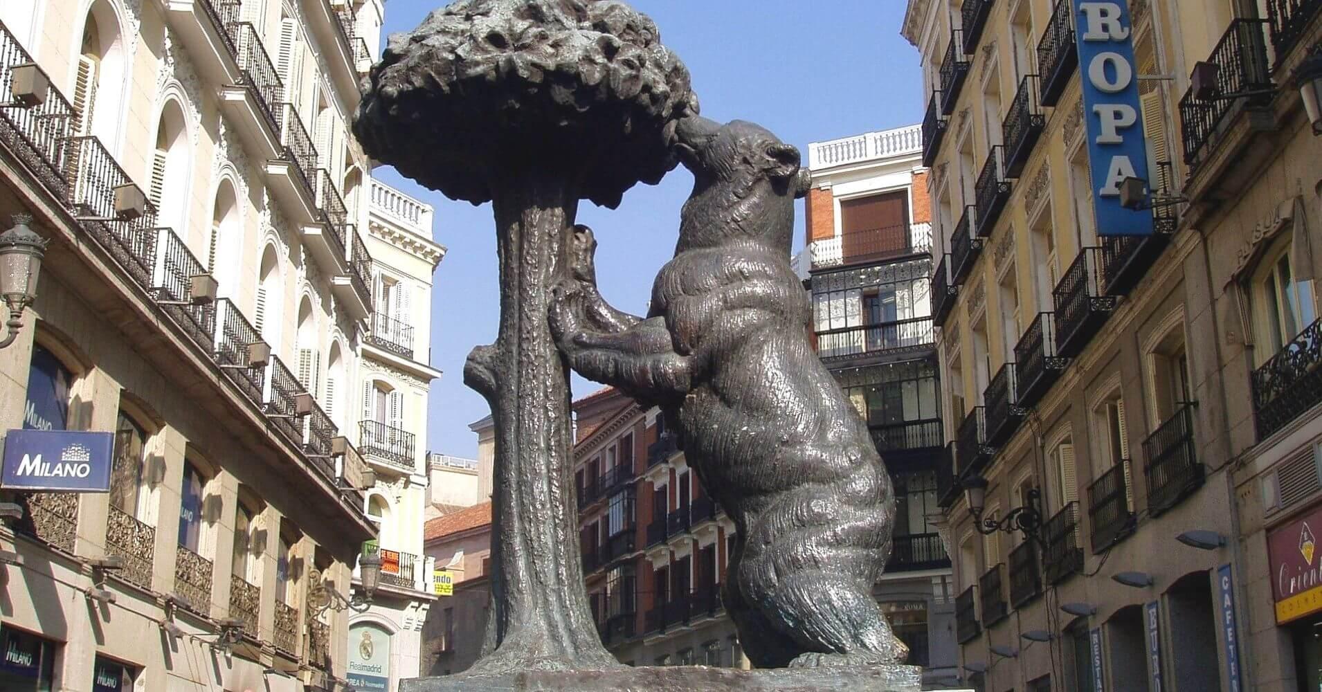 Oso y Madroño. Madrid.