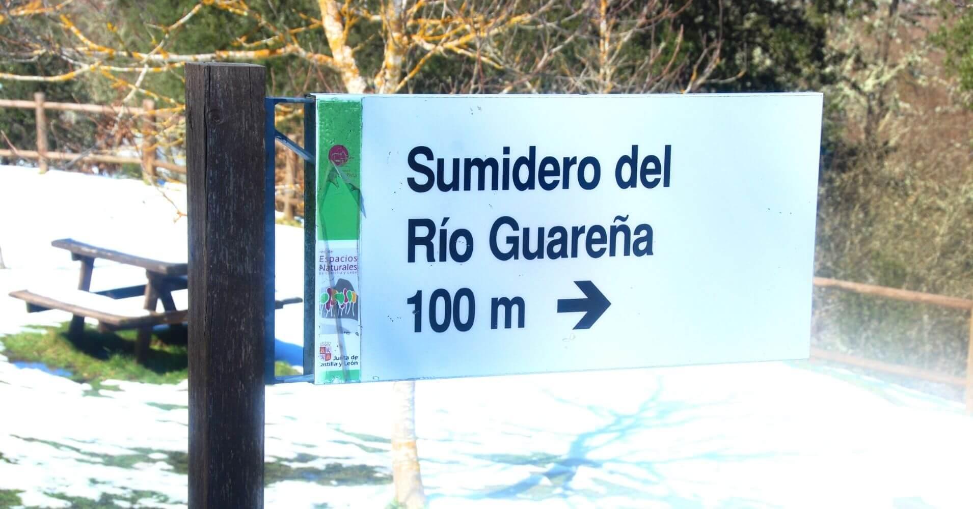 Panel de Información del Sumidero de Ojo Guareña. Las Merindades. Burgos, Castilla y León.