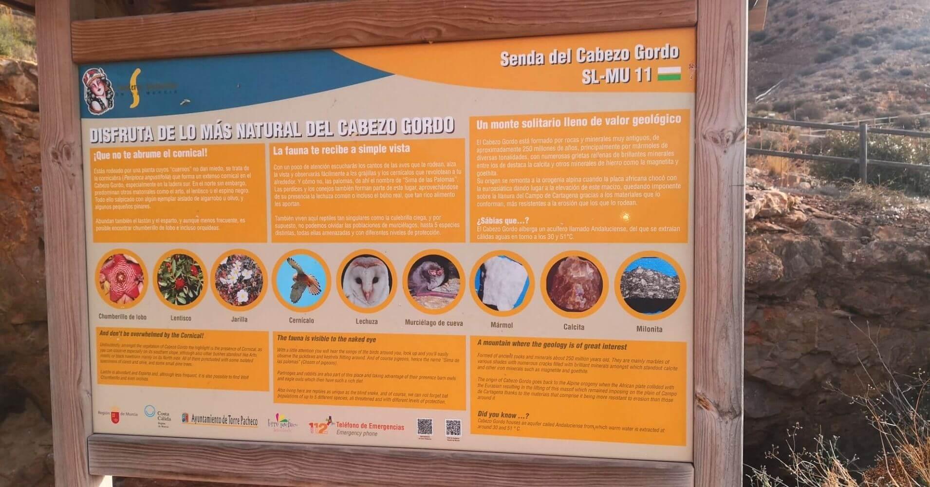 Panel Informativo del Sendero Local SL-MU 11 Cabezo Gordo. Torre Pachecho. Murcia.
