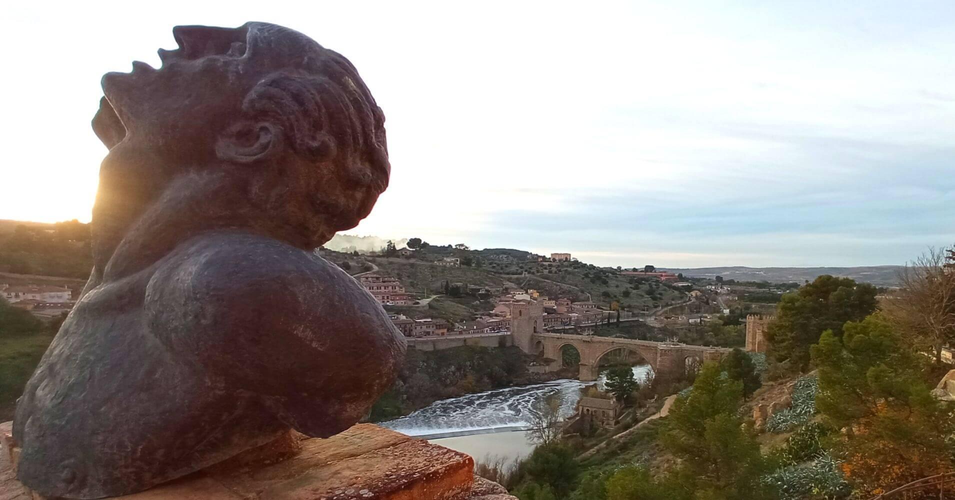Panorámica del Puente de San Martín desde el Museo de Victorio Macho. Toledo, Castilla La Mancha.