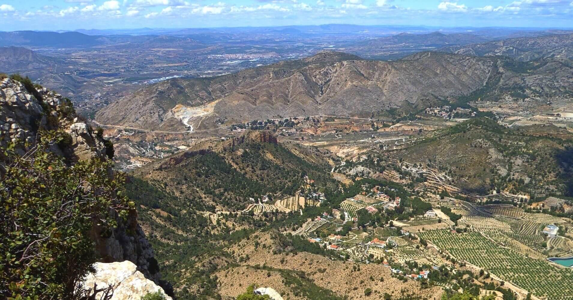 Panorámicas desde la Cumbre de la Vía Ferrata de Petrer, Alicante.