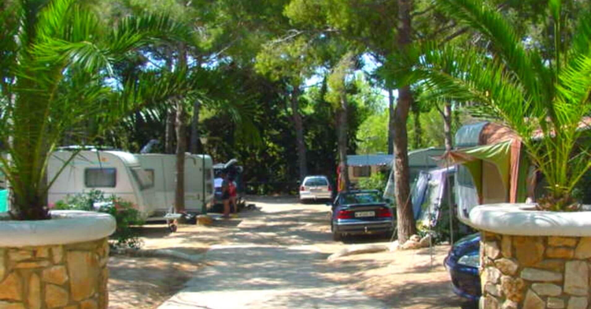 Parcelas del Camping Playa Barà Resort Spa. Rodá de Barà. Tarragona. Cataluña.