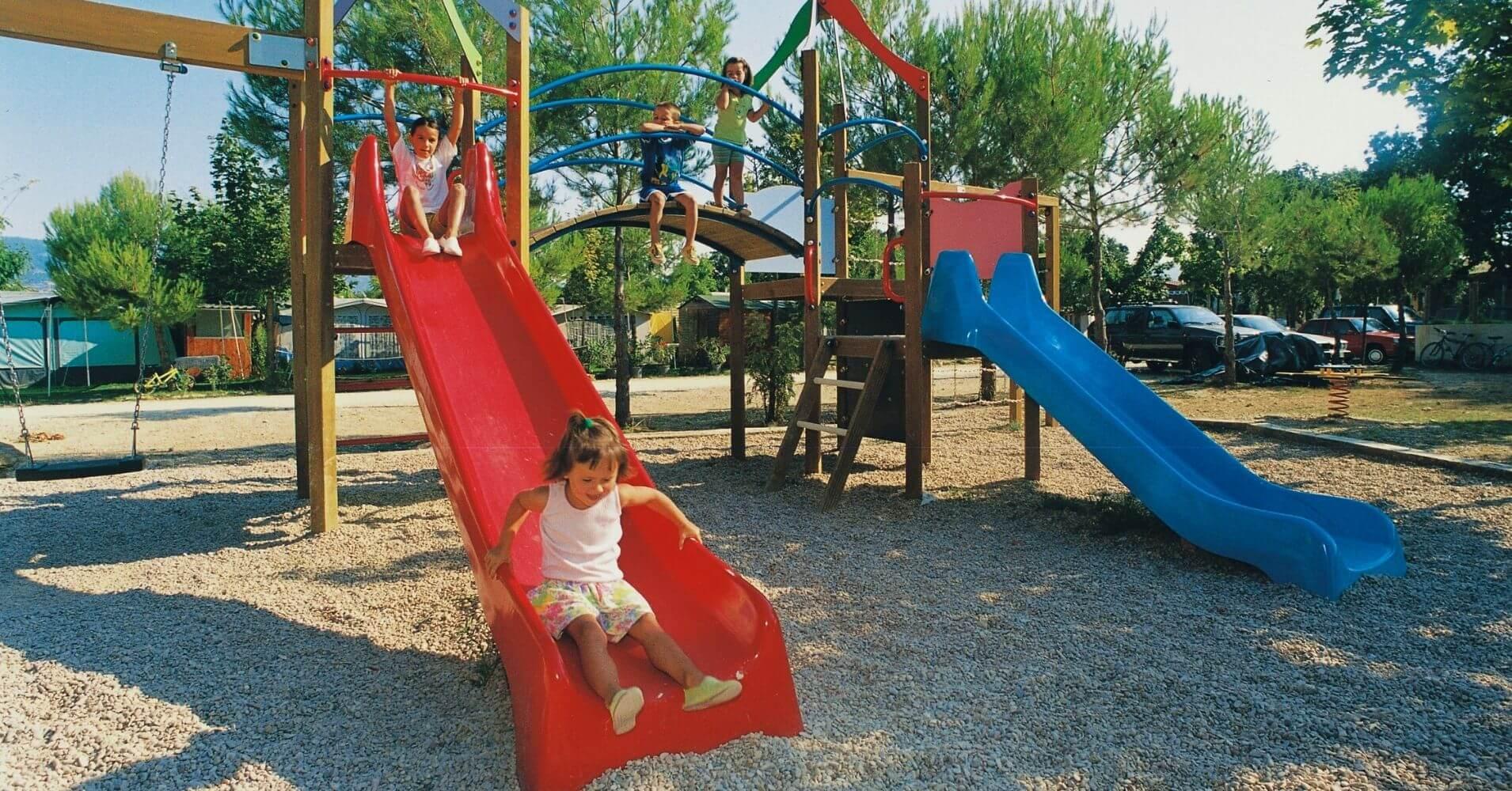 Parque Infantil del Camping Aritzaleku. Lerate, Navarra.