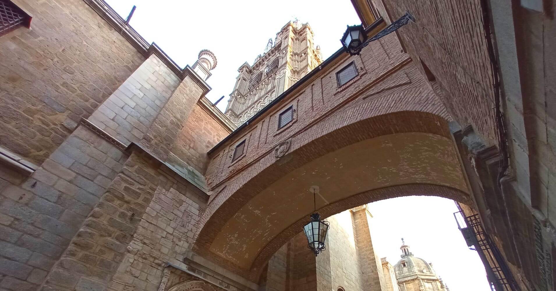 Pasadizo de la Catedral de Toledo al Palacio Arzobispal. Toledo, Castilla La Mancha.