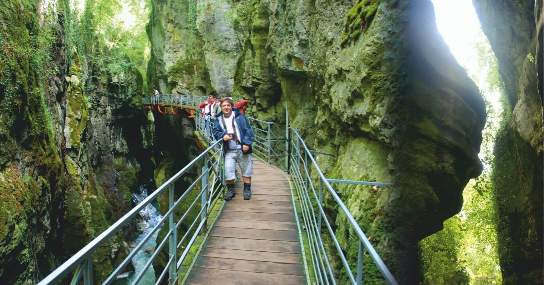 Pasarela Gorges du Fier. Lovagni, Alta Saboya. Auvernia-Ródano-Alpes. Francia.