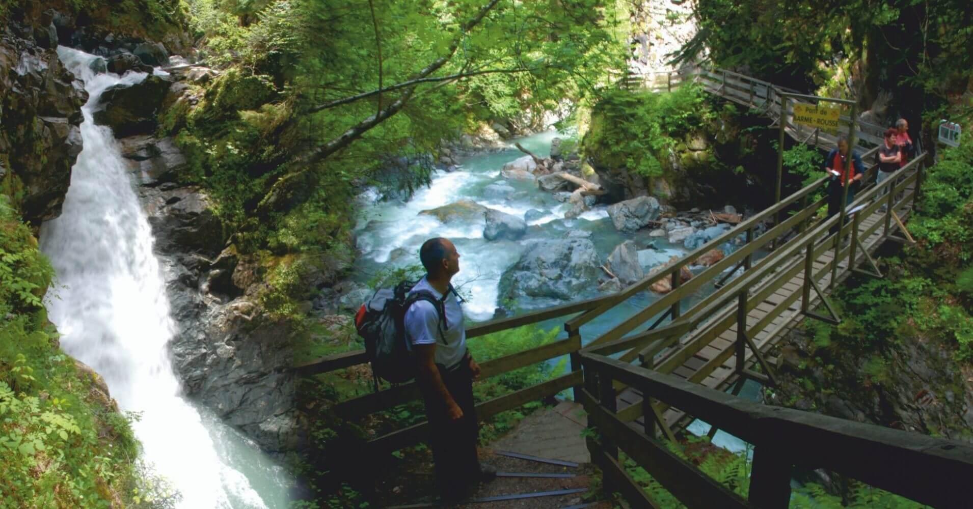 Pasarelas y Cascadas Gorges de la Diosaz. Alta Saboya. Auvernia-Ródano-Alpes. Francia.