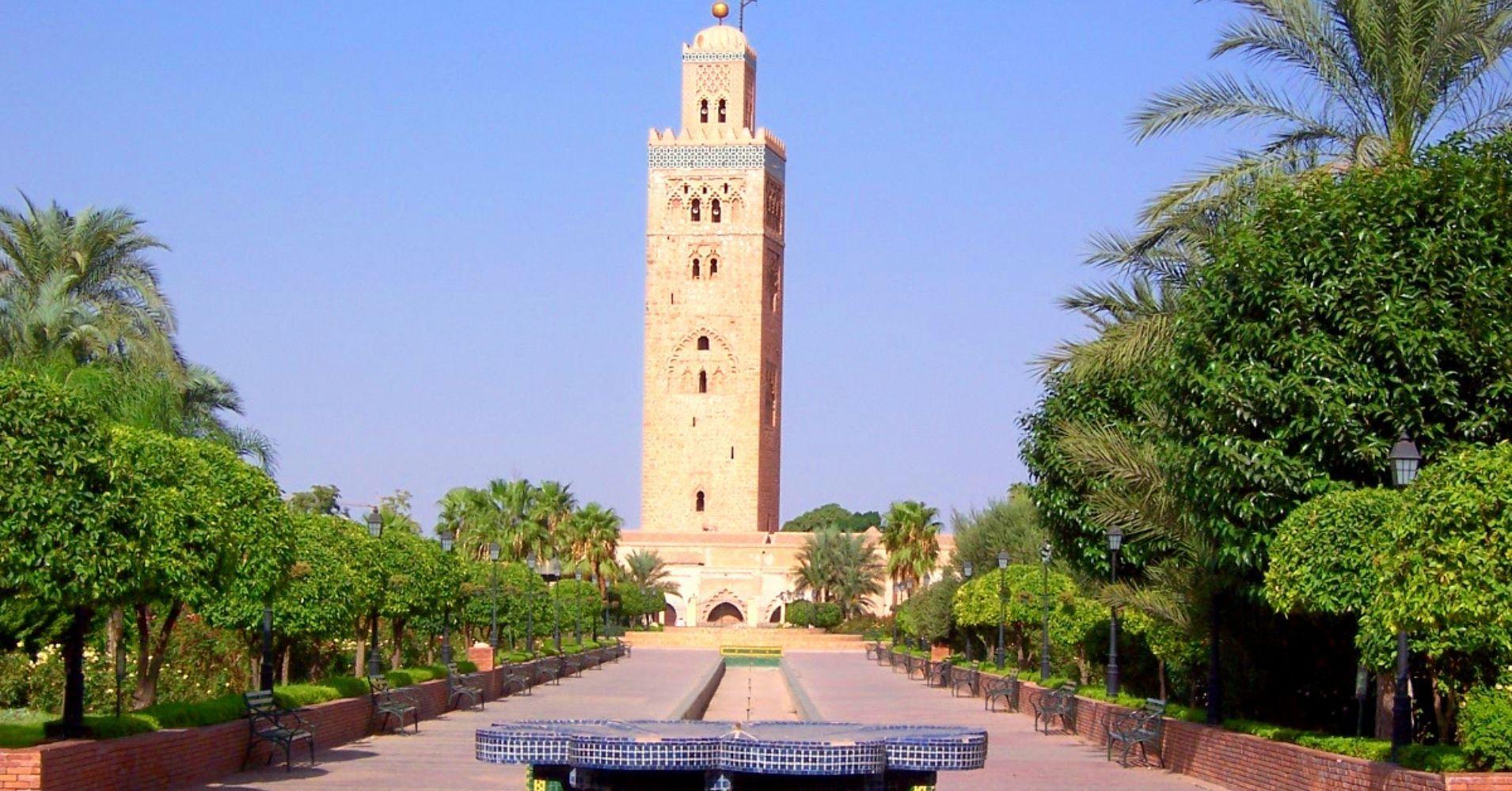 Paseando por la Mezquita de la Koutoubia. Marrakech, Marruecos.