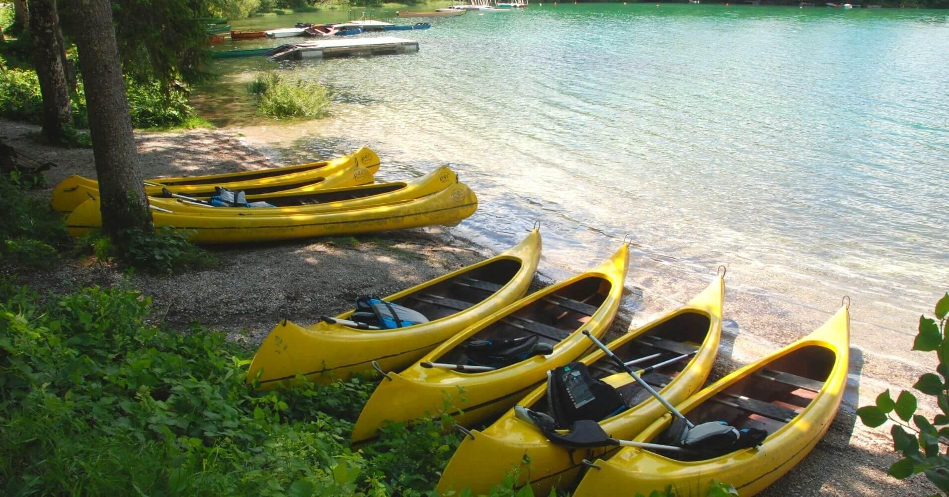 Piraguas en el Lago Bohinj.