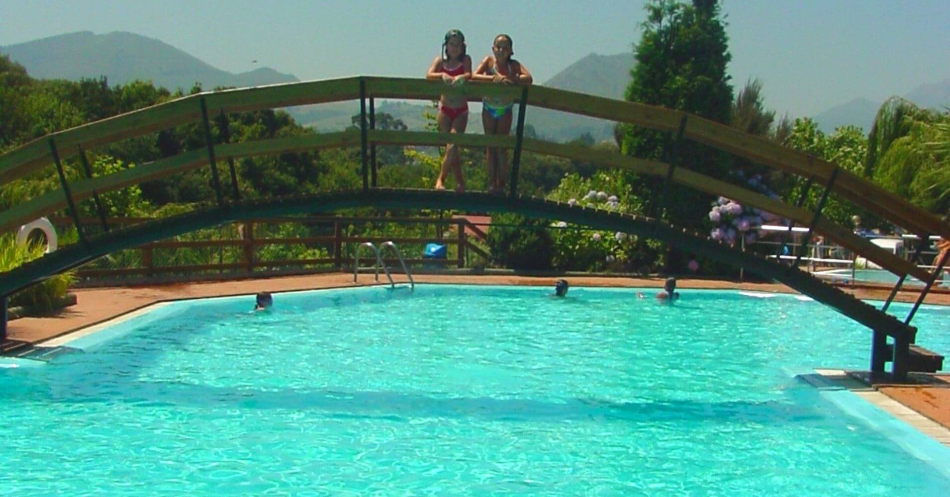 Piscina del Camping Ribadesella. Asturias.