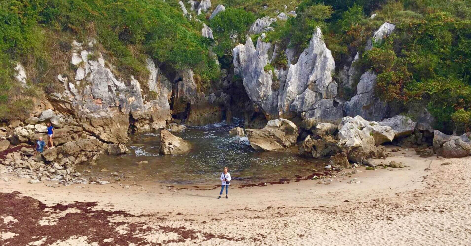 Playa de Gulpiyuri. Asturias Maravilla Natural.