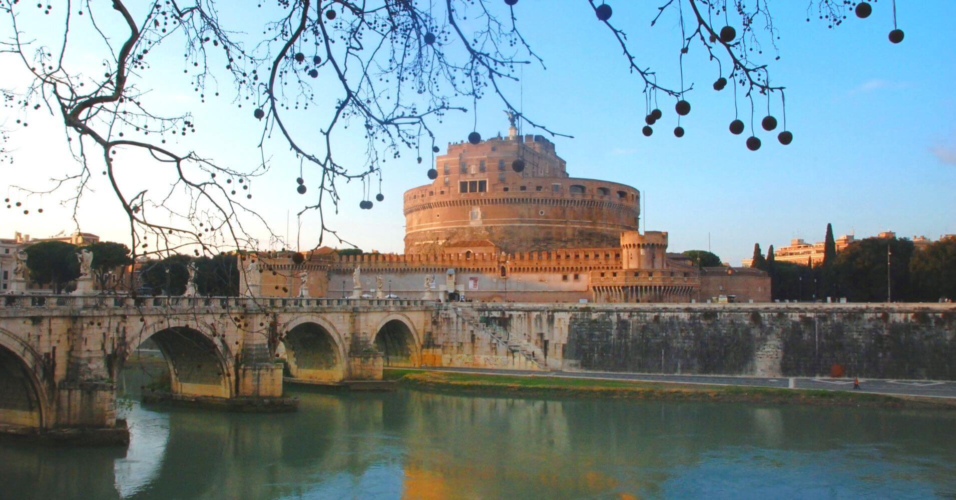 Puente y Castillo Sant Ángelo. Roma, Lacio. Italia.