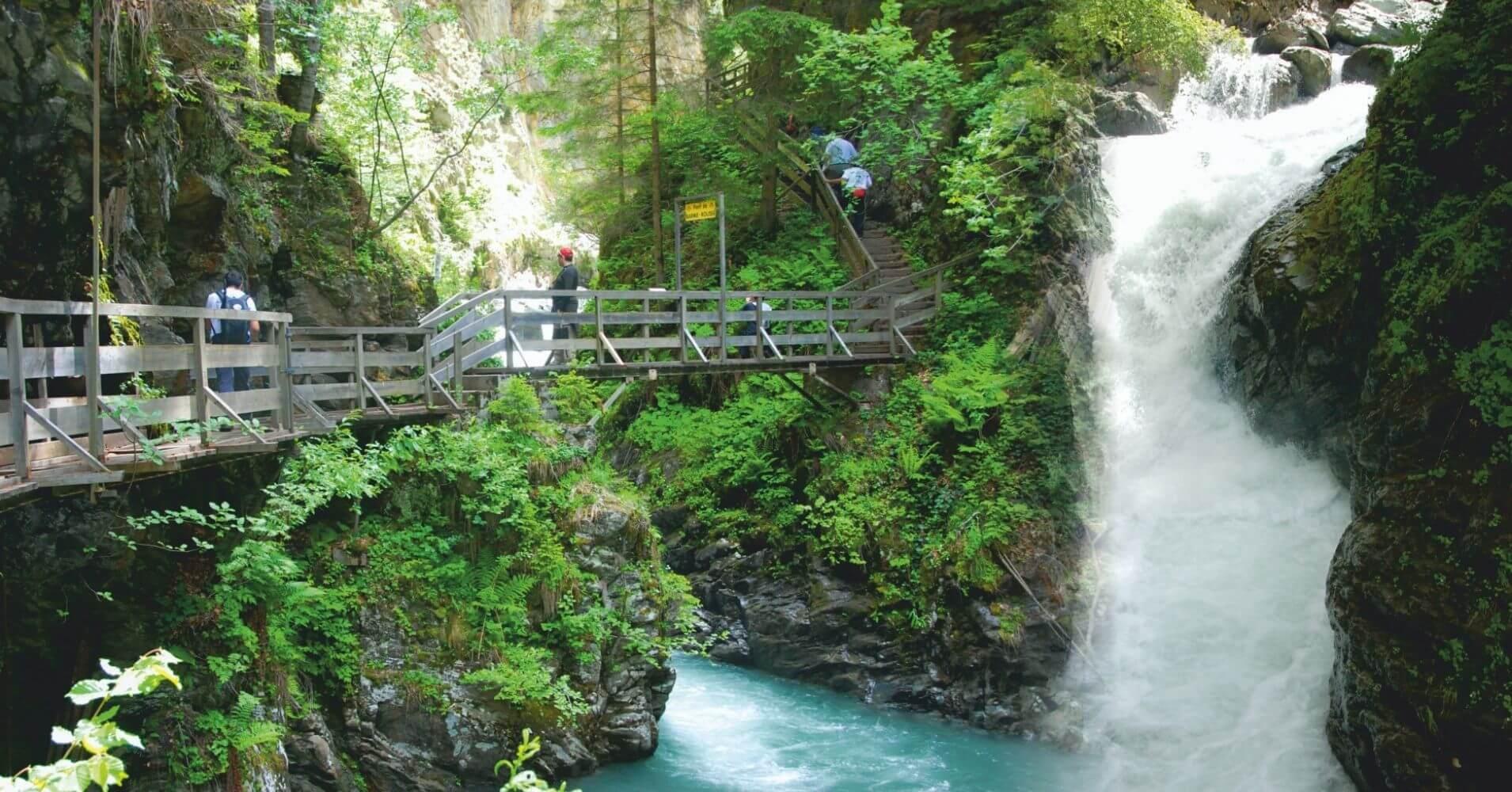 Puentes Pasarelas y Cascadas de les Gorges de la Diosaz. Alta Saboya, Auvernia-Ródano-Alpes, Francia.