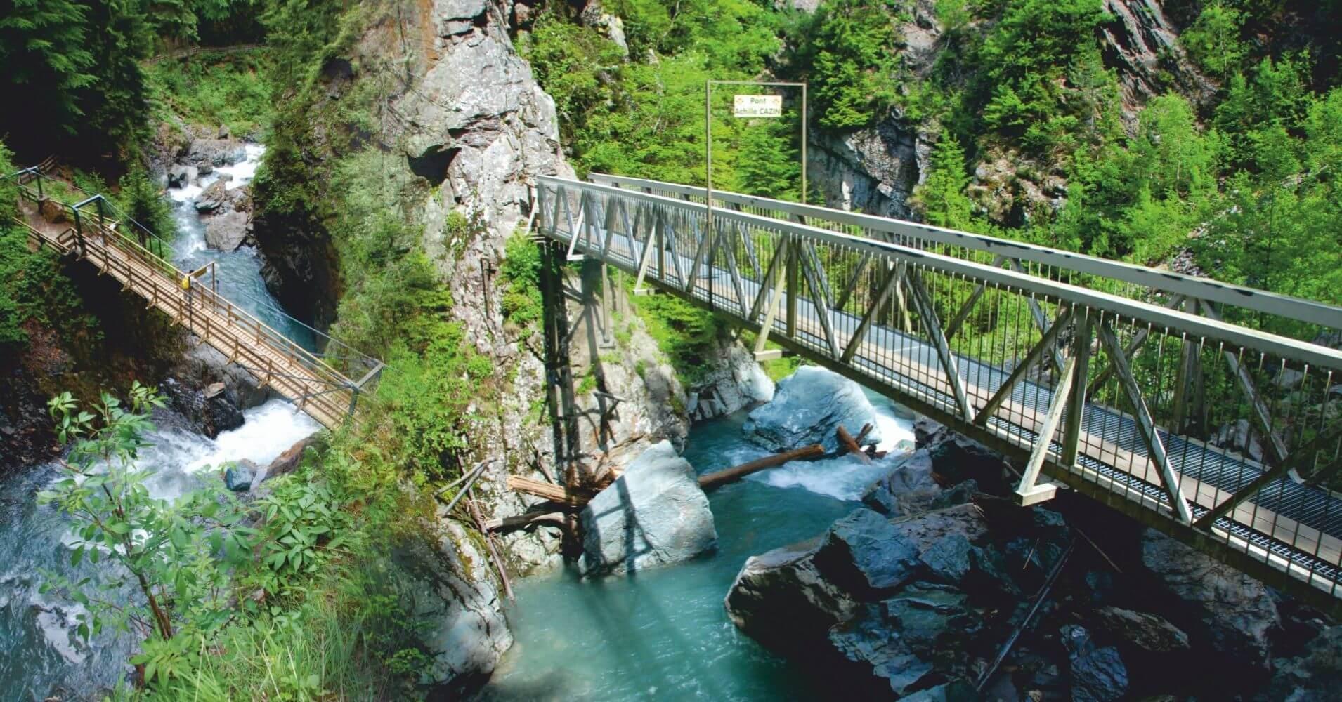 Puentes y Pasarelas de les Gorges de la Diosaz. Alta Saboya, Auvernia-Ródano-Alpes. Francia.