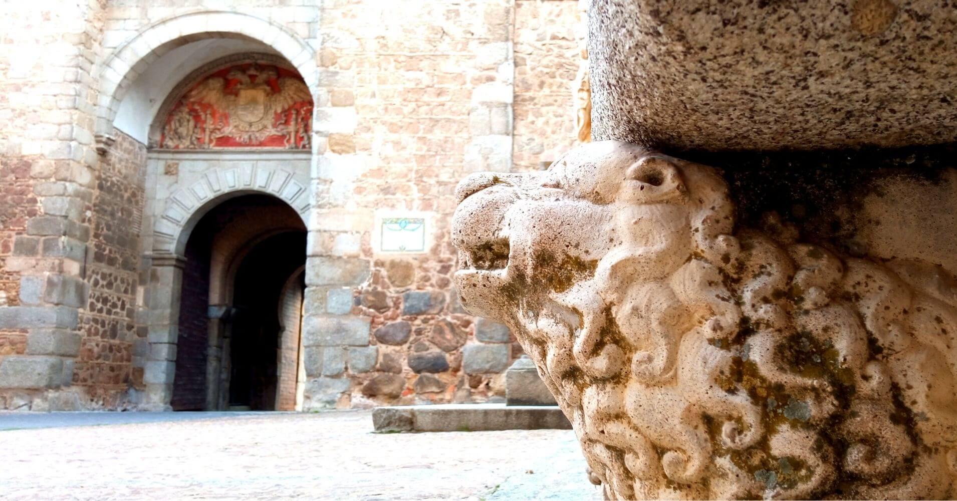 Puerta de Bisagra. Toledo, Castilla La Mancha.