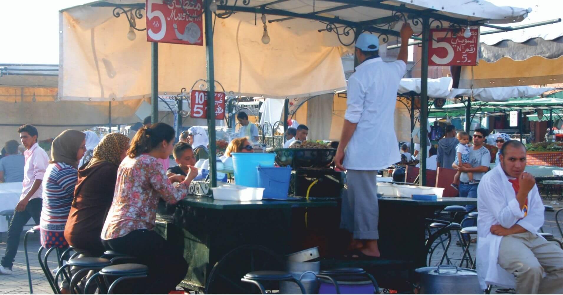 Puesto de Comida en la Plaza de Jamaa el Fna. Marrakech, Marruecos.