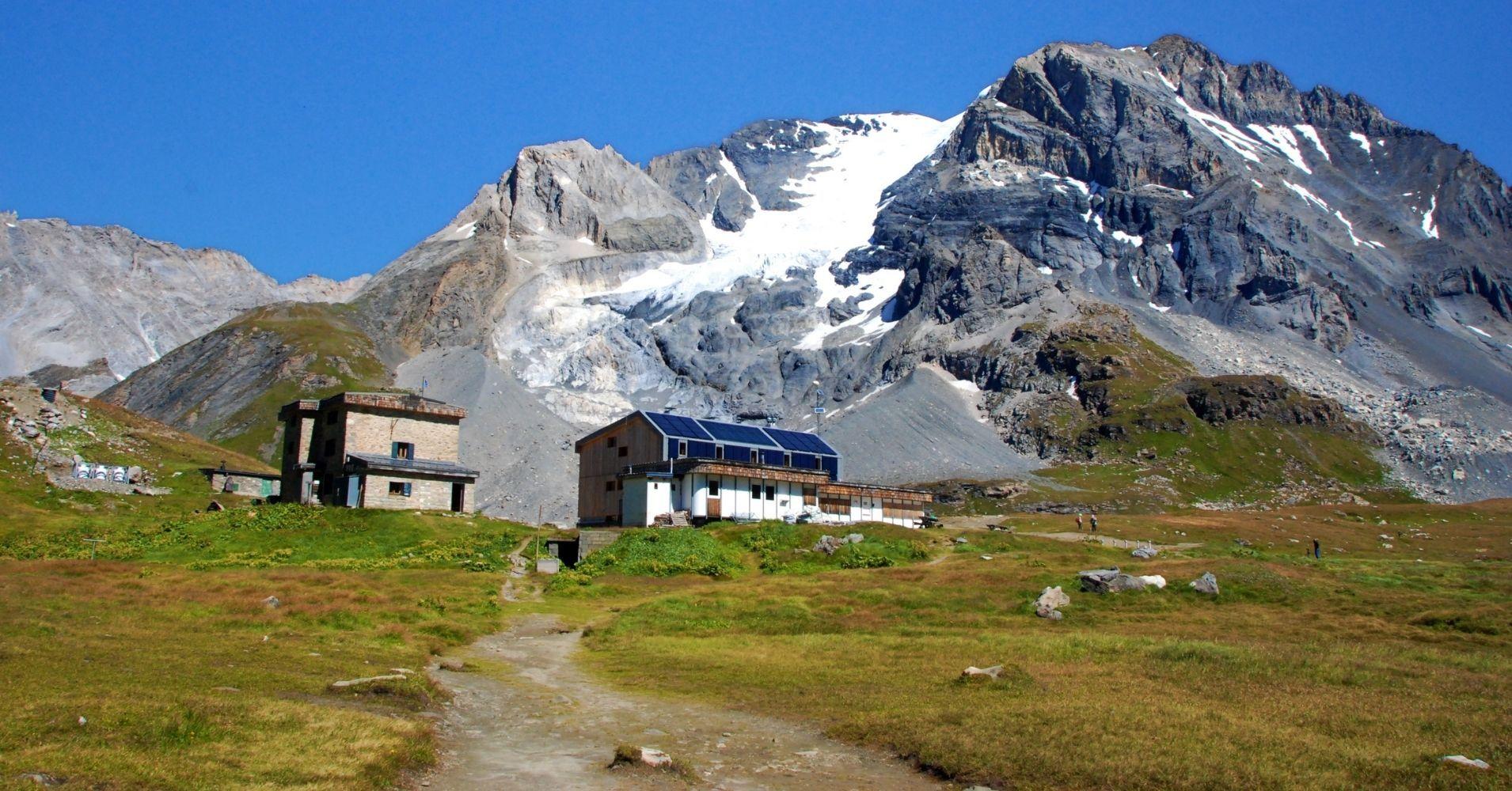 Refugio Col de la Vanoise. Parque Nacional de la Vanoise. Saboya, Auvernia-Ródano-Alpes. Francia.