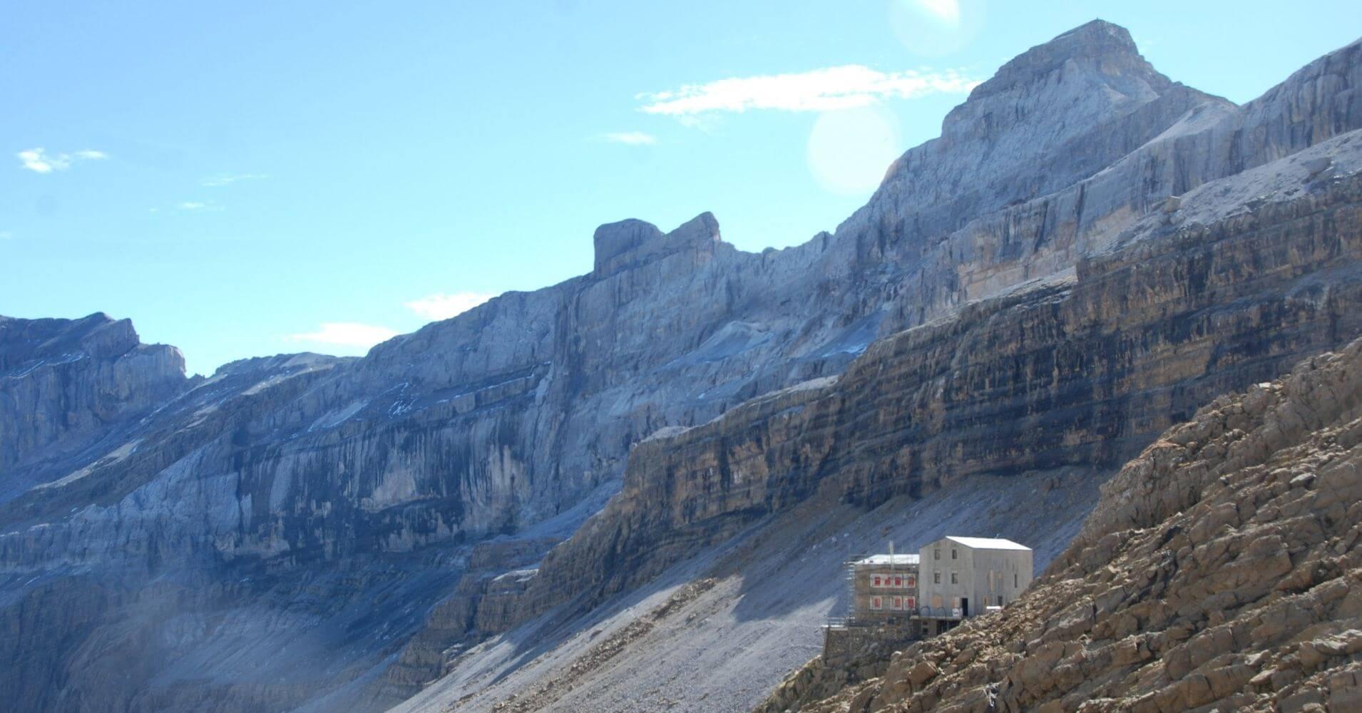 Refugio de Sarradets. Brecha de Rolando. Gavarnie. Altos Pirineos. Occitania. Francia.