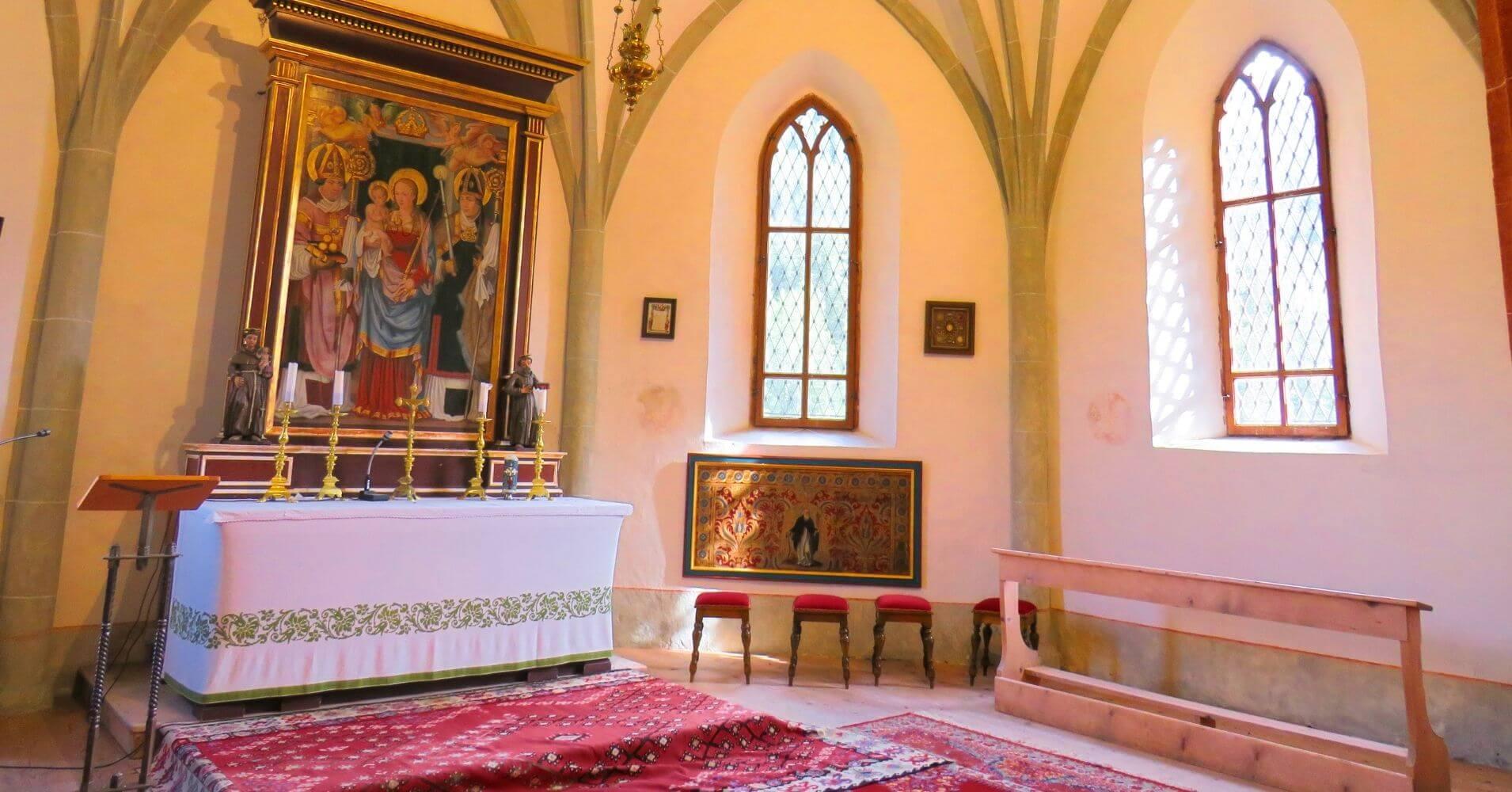 Refugio e Iglesia de Ospitale, Cortina d' Ampezo. Véneto en Italia.