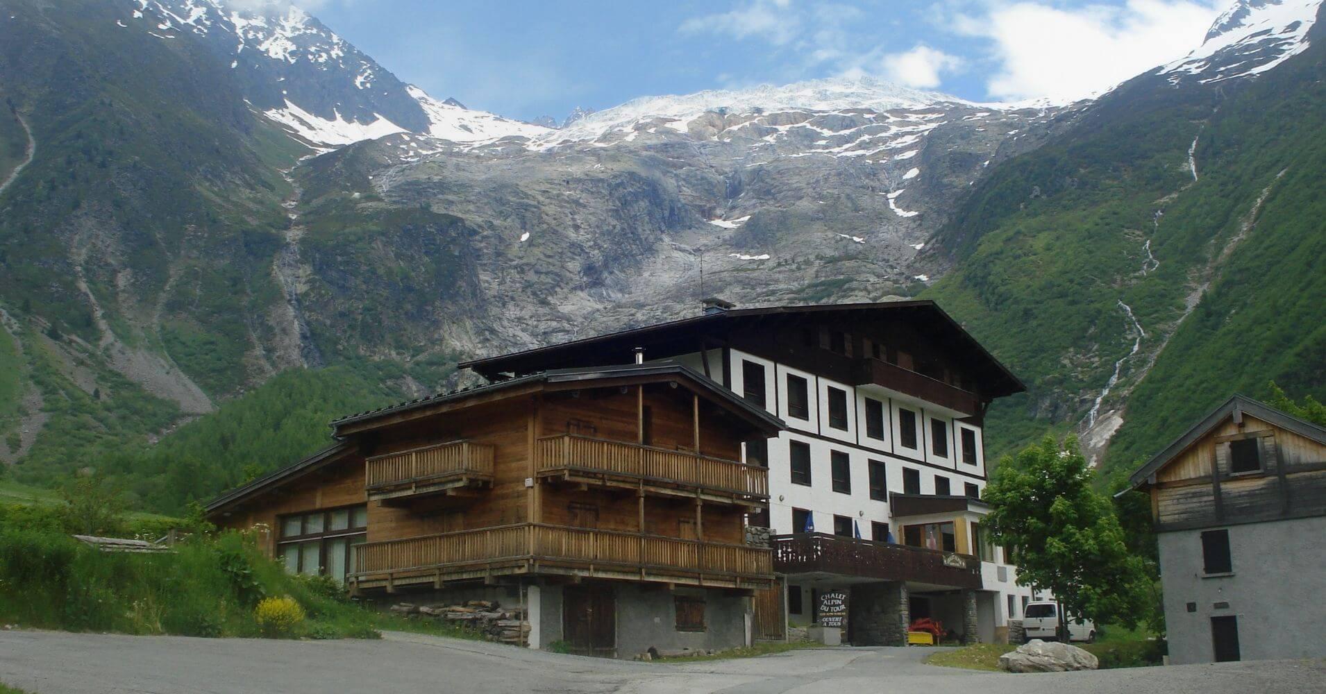 Refugios y Albergues del Tour del Mont Blanc. Cordillera de los Alpes. Francia, Italia, Suiza.