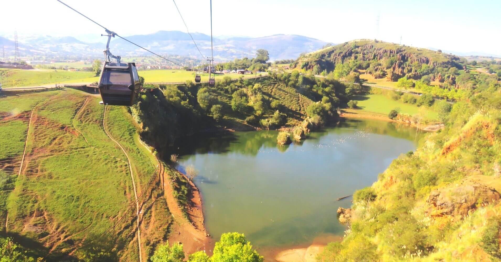 Remonte del Parque de la Naturaleza de Cabárceno. Obregón. Cantabria.