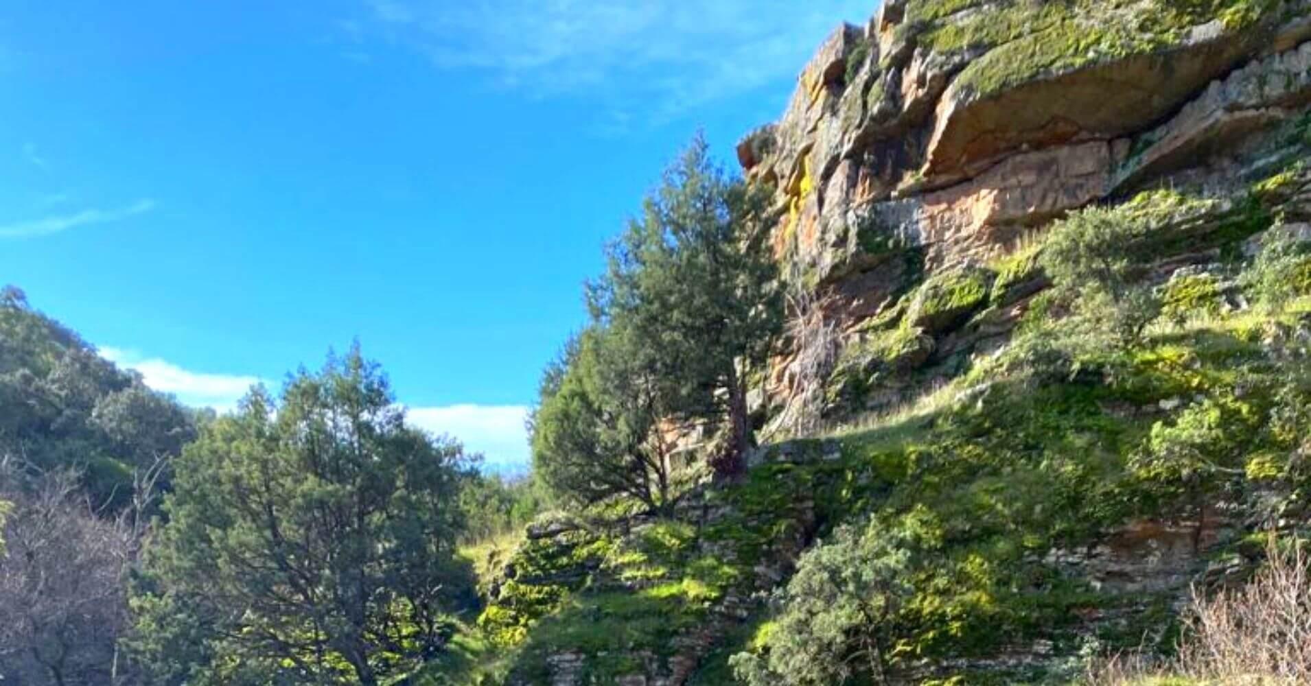Roquedos del Parque Natural Valle de Alcudia y Sierra Madrona. Fuencaliente, Ciudad Real.