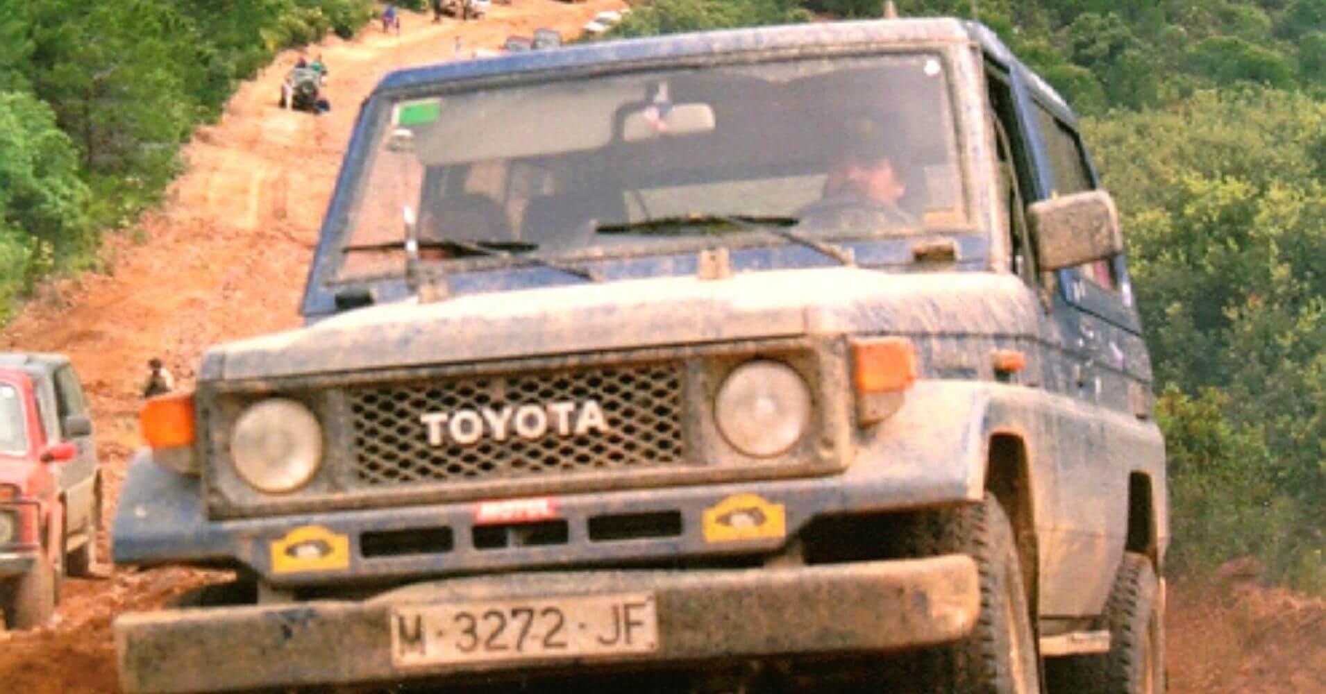 Rutas 4X4 en España. Toyota Land Cruiser en Cortafuegos.
