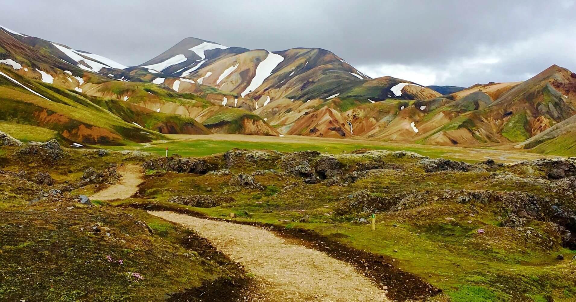 Sendero Colada de Lava. Landmannalaugar Tierras Altas de Islandia.