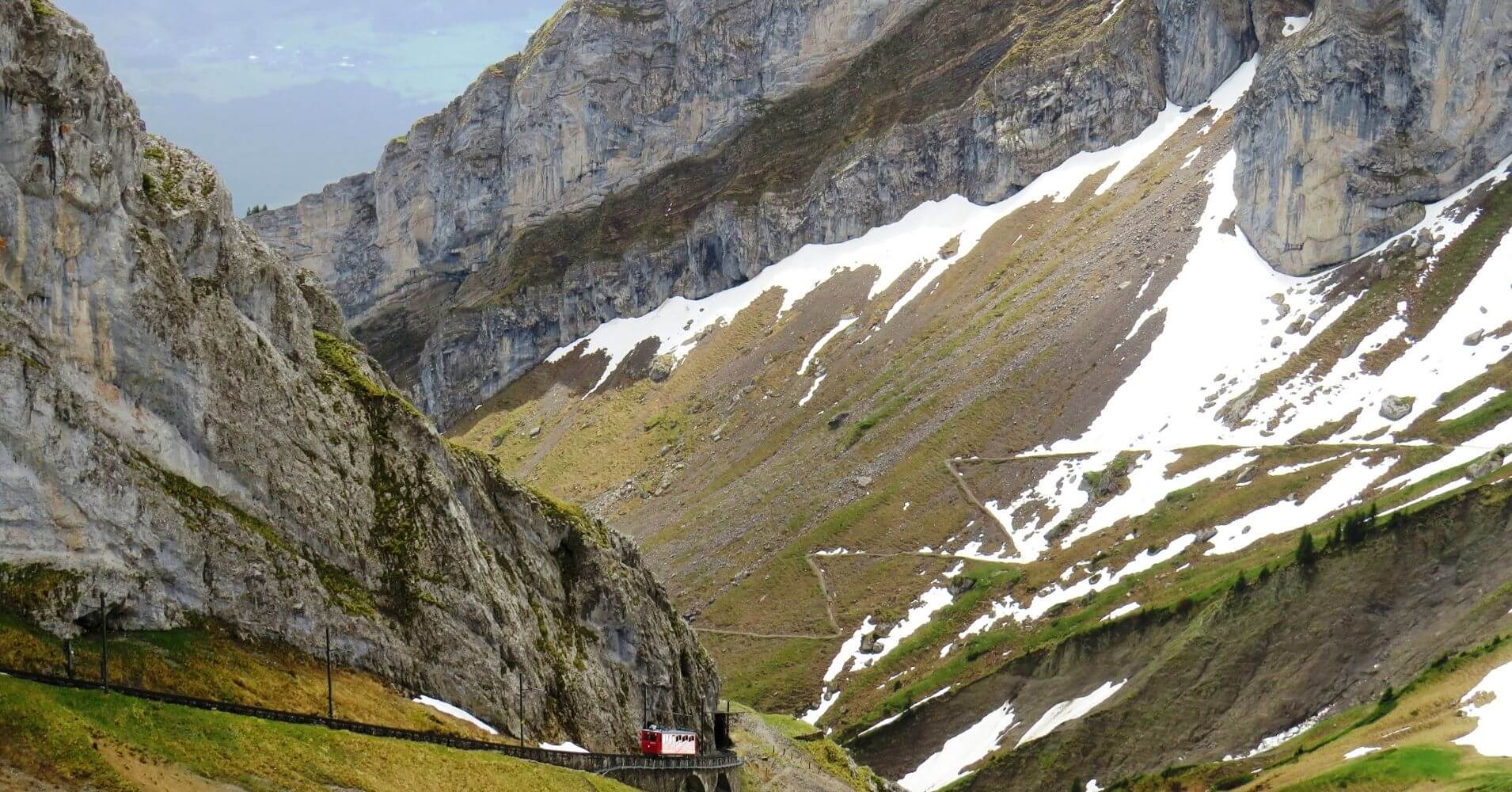 Subida del Tren de Cremallera del Monte Pilatus. Suiza.
