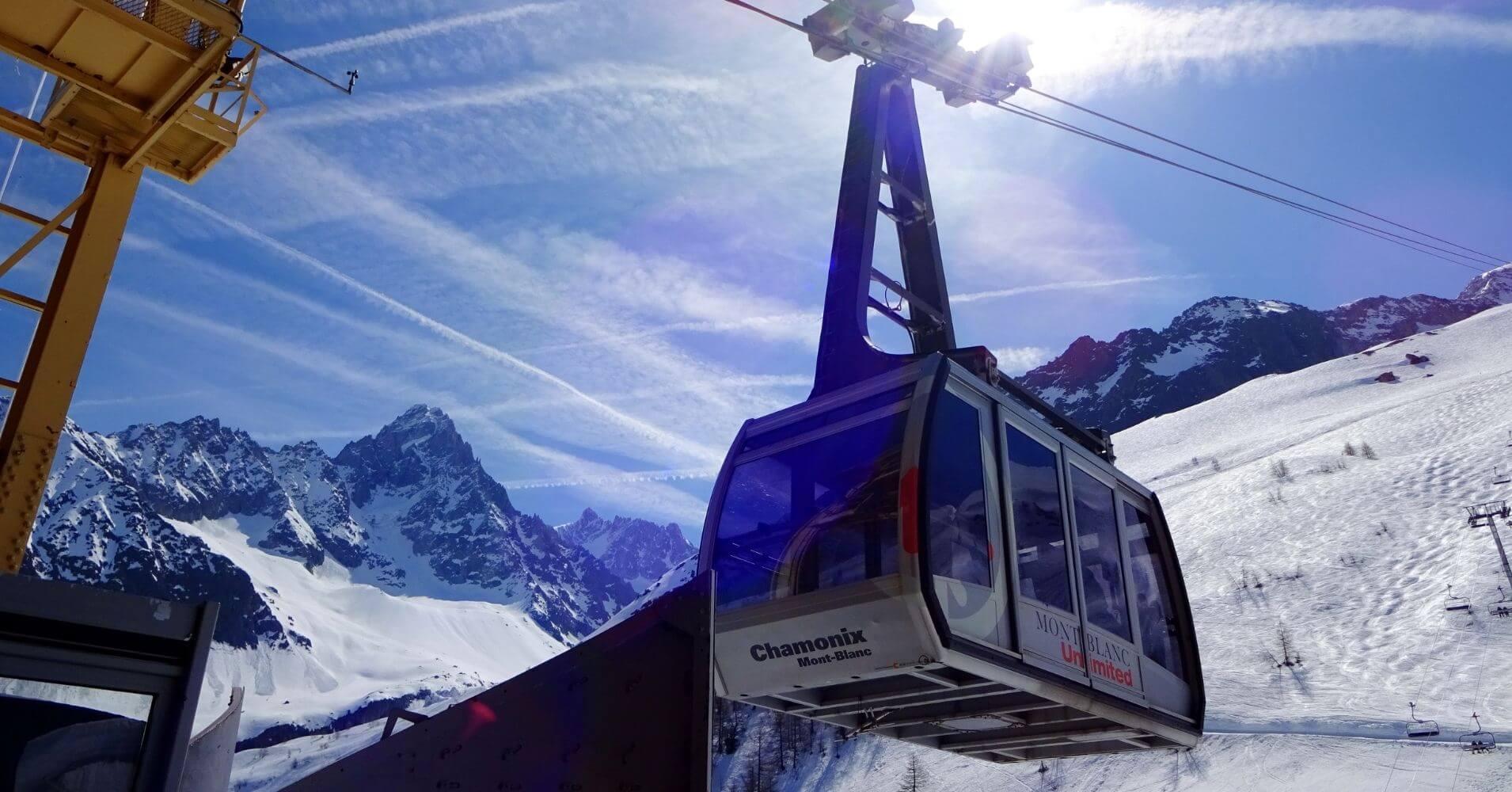 Teleférico du Aguille du Midí Mont Blanc. Alta Saboya. Auvernia-Ródano-Alpes. Francia.