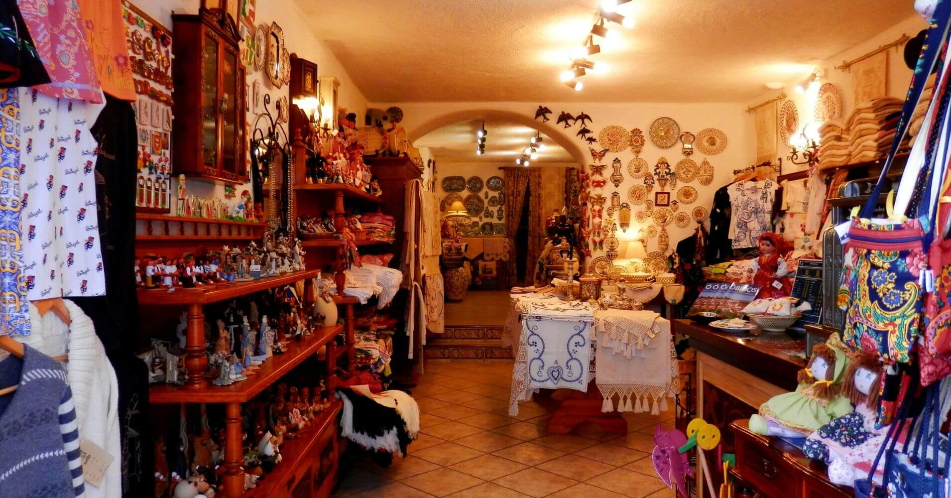 Tienda de Souvenirs. Óbidos Villa de las Reinas. Portugal.