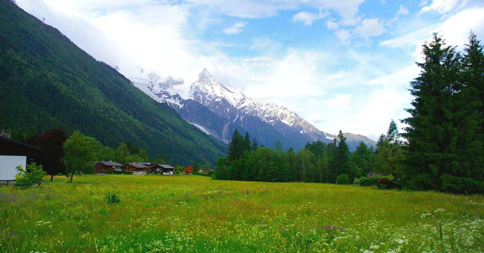 Tour del Mont Blanc. Suiza, Francia, Italia. Cordillera de los Alpes.