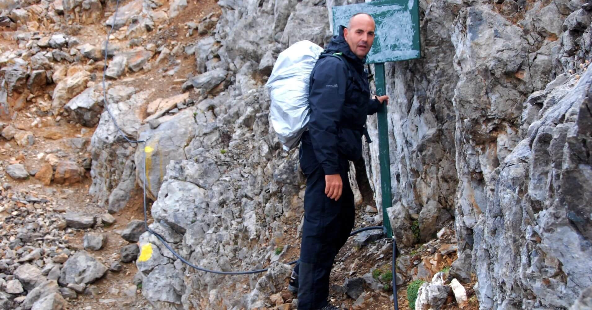 Travesía de Picos de Europa. Camino Equipado Cable Jou de los Boches. Cantabria, Asturias.