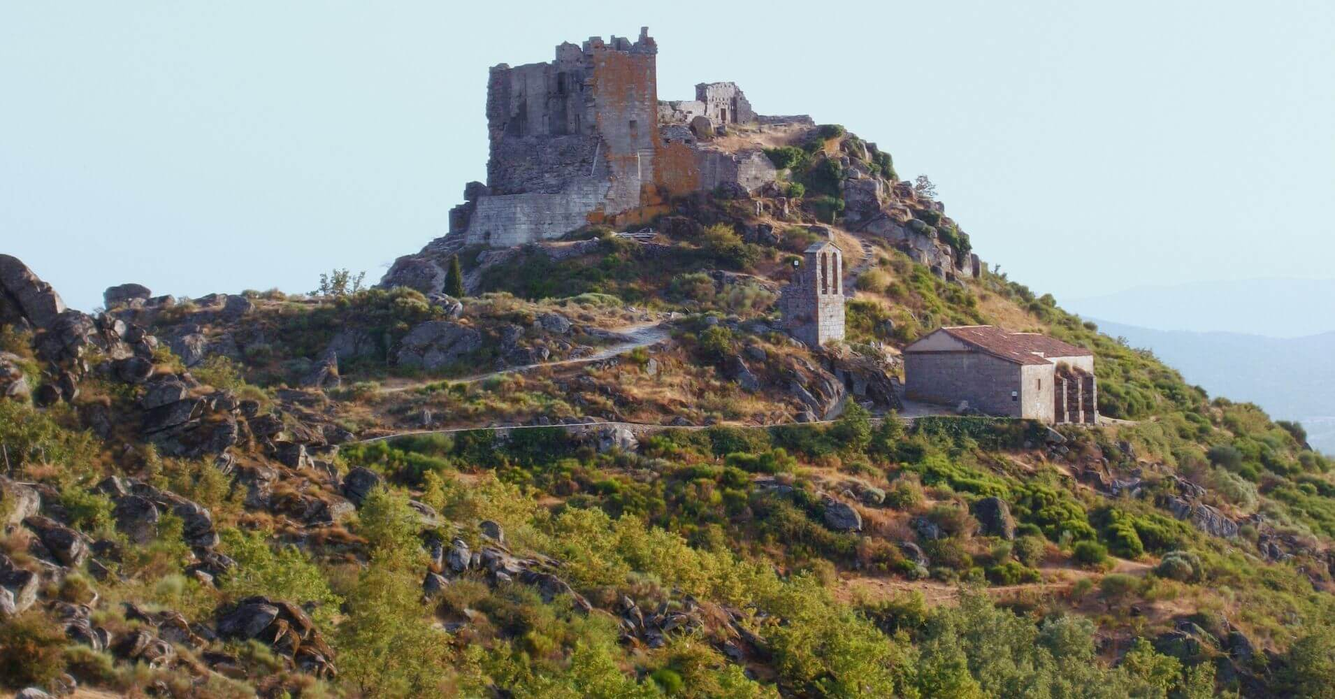 Valle de Jálama. Misterio de A Fala. San Martín de Trevejo en Cáceres. Extremadura.