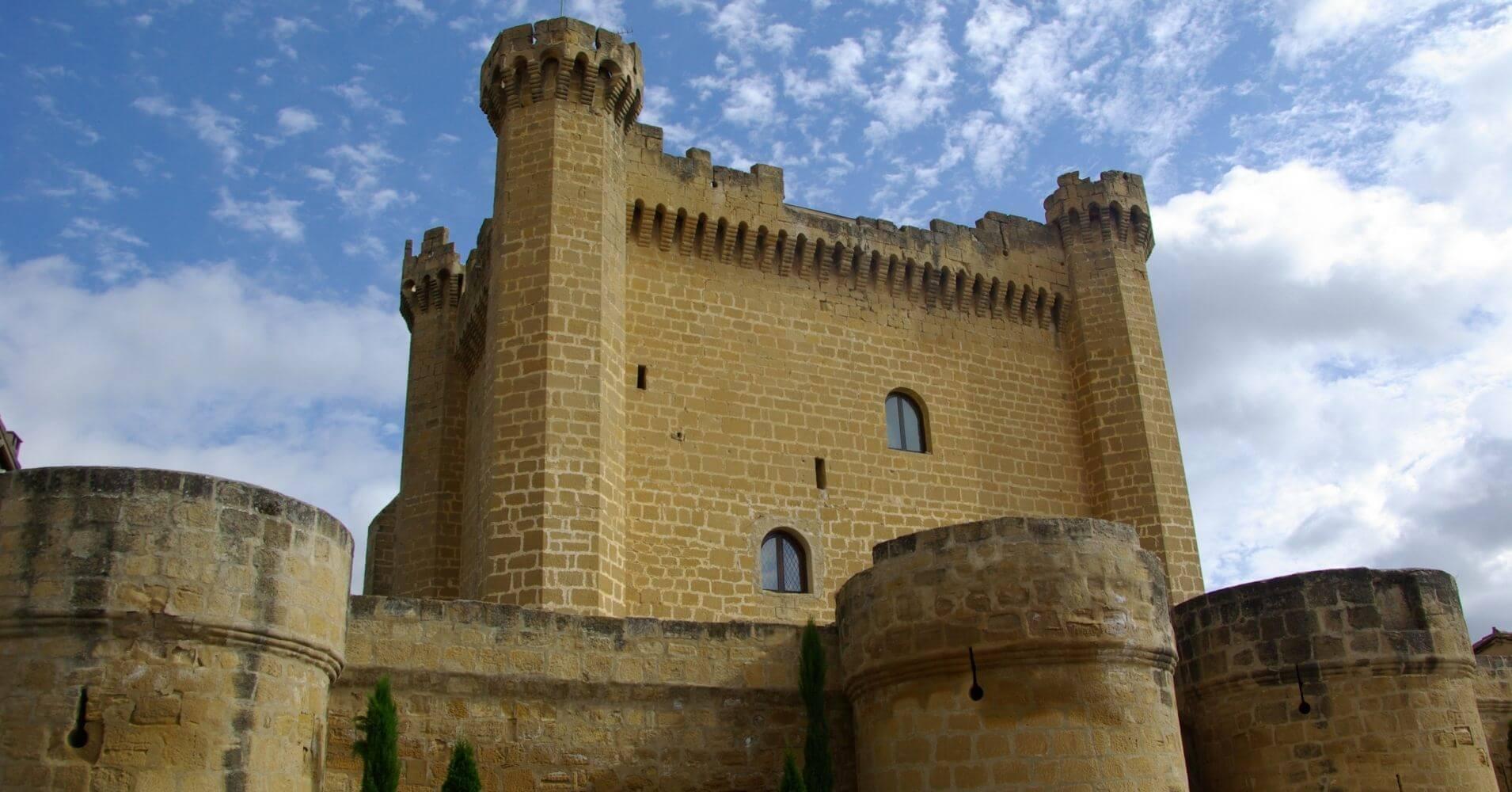 Viajar a España. Castillo de Sajazarra. La Rioja.