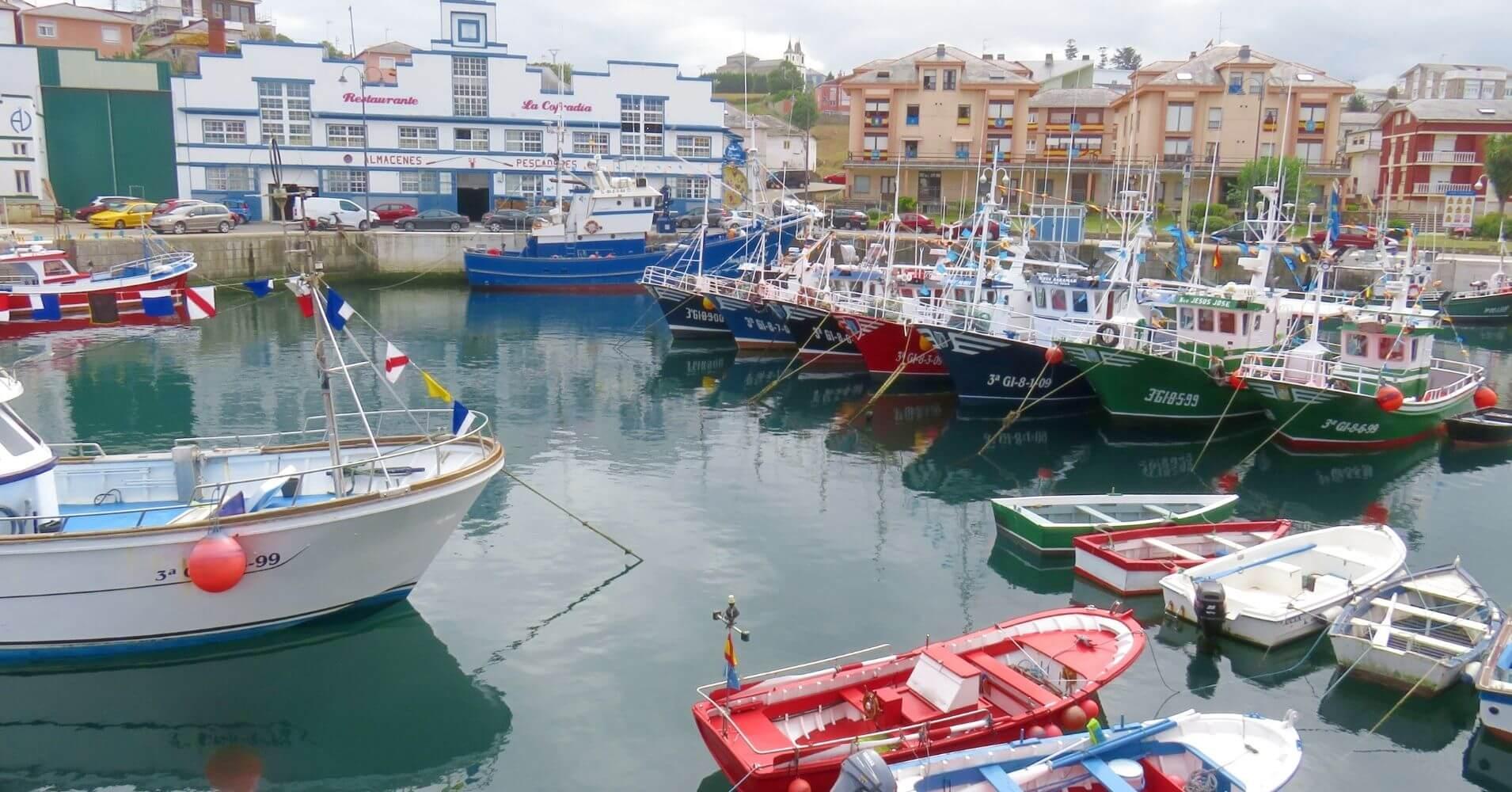 Viajar a España. Puerto de Vega. Asturias.