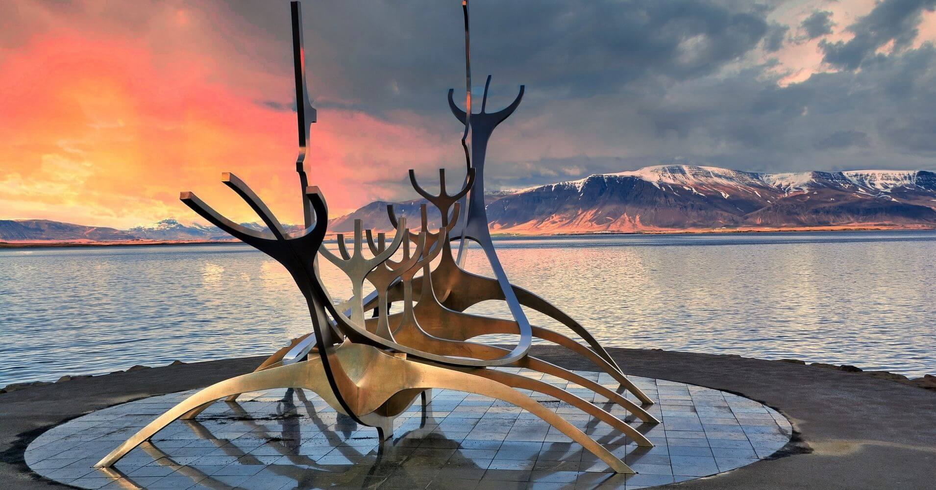 Viajero del Sol. Reykjavík, Islandia.