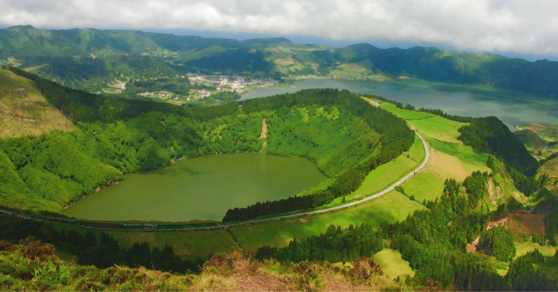 Volcán y Lago de Santiago. Isla de San Miguel, Azores. Portugal.