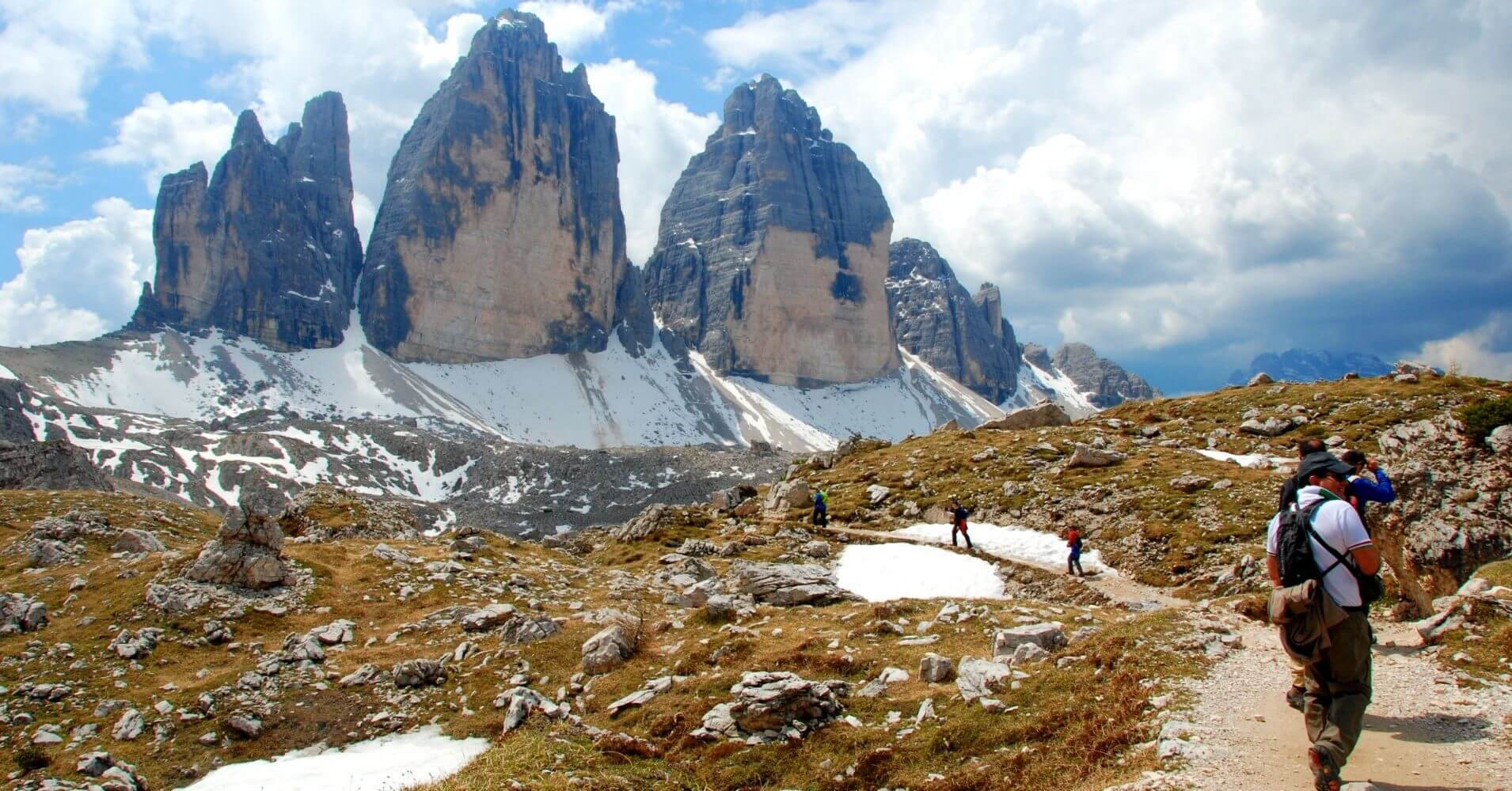 Vuelta a las Tres Cimas de Lavaredo. Alpes Dolomitas, Belluno. Véneto. Italia.